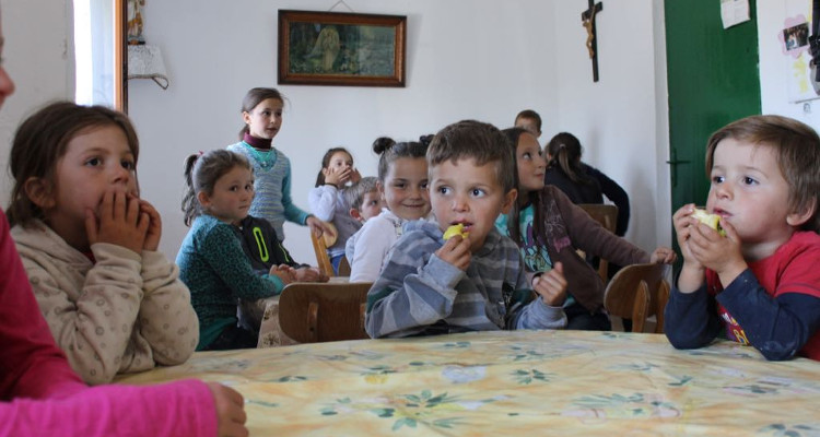 Adopt a canteen for children in Albania